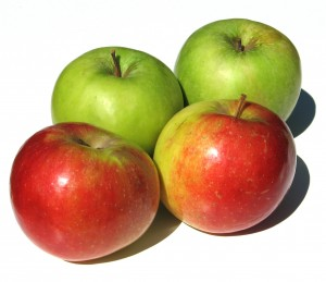 Apples - Can they Clean Your Teeth?