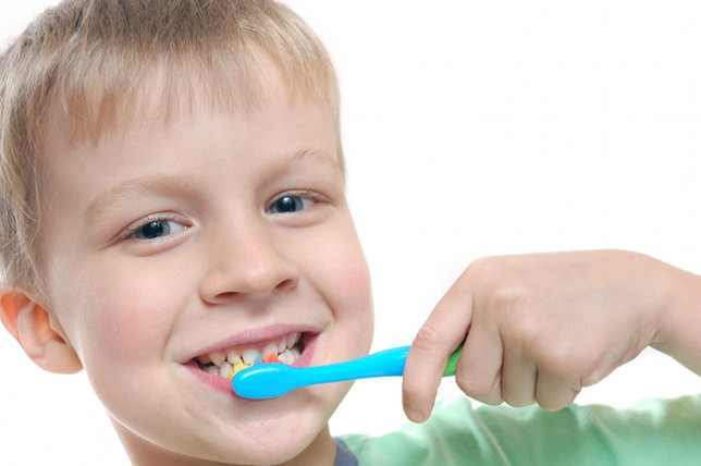 Age When Kids Can Brush Their Own Teeth