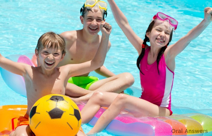 Keep Your Kids Teeth Safe at the Swimming Pool