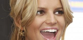 Jessica Simpson Doesn't Brush Teeth
